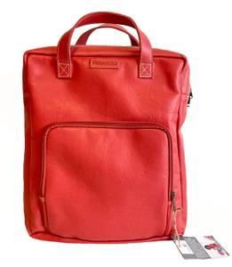 Bilde av City Backpack Red - Rød skinnsekk til